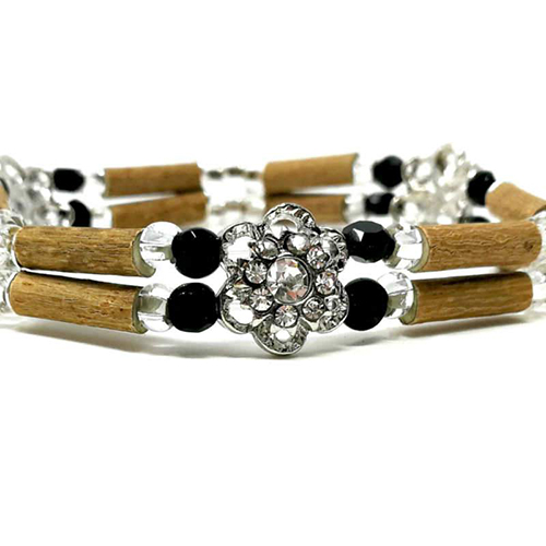 YumNaturals Emporium - Bringing the Wisdom of Mother Nature to Life - Hazelwood Black and Clear Double Bracelet Flower Bead 2